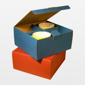 Klappdeckelbox für vier Tassen